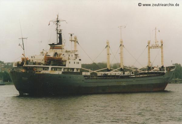 Fotograf Norbert Pilz, MS Oelsa, Heimathafen Rostock DDR, Nord Ostsee Kanal, Einlaufen Schleuse Kiel, Mai 1988