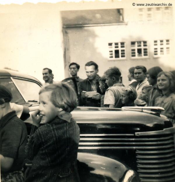 Zeuro Zeutrie Möbel Zeulenroda Besuch von einem Syrier und einem Chinesen 1957 in Altenfeld