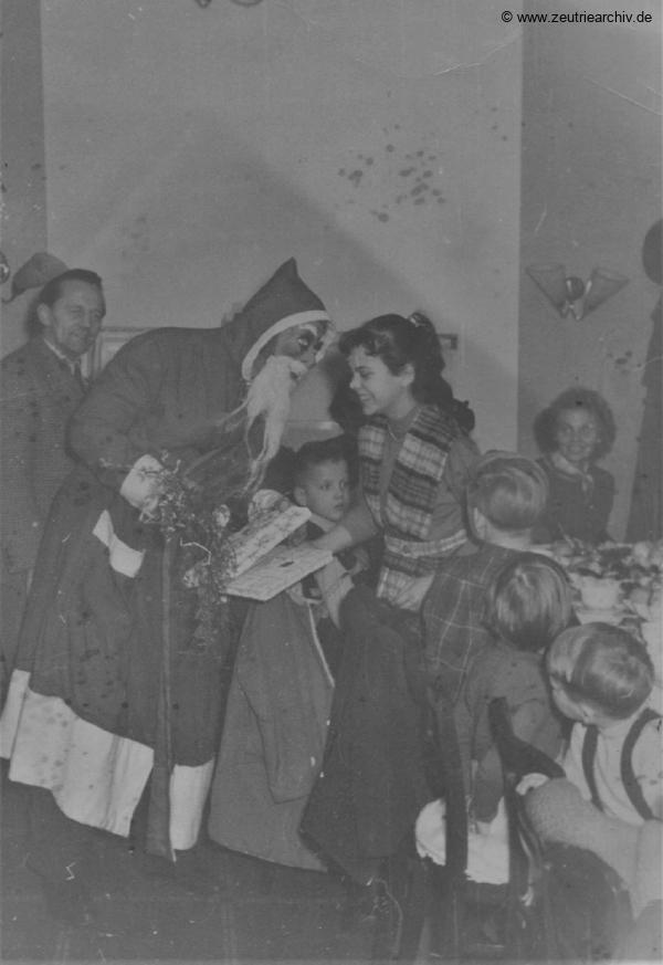 Industrieladen Berlin Zeutrie Möbel Zeulenroda Weihnachtsfeier 1958