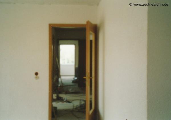 Fotos innen und außen aus mehreren Jahrzehnten der VEB Drahtweberei Neustadt Orla Betriebsteil Zeulenroda DDR heute Zeuro Zeutrie Möbel